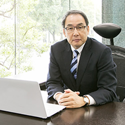 株式会社イントラスト 代表取締役社長 桑原 豊 様